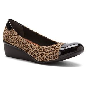 ᴺᴱᵂ Ros H   stretch leopard cheetah wedge • 8.5
